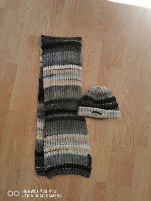Calvin Klein Knitted Hat black-grey