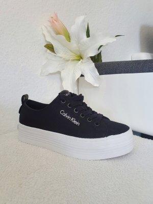 Calvin Klein Plateau Sneakers in Gr. 37