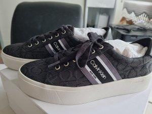 Calvin Klein Sneaker con tacco nero