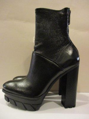 Calvin Klein Platform Booties black leather
