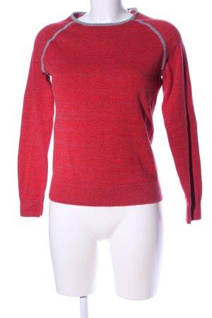 Calvin Klein Suéter rojo look casual