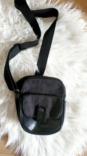 Calvin Klein Tasche Umhängetasche Schwarz Monogramm