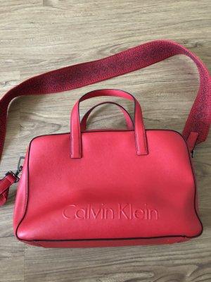 Calvin Klein Umhängetasche in rot