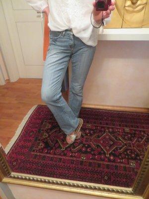 Cambio Norah Jeans Hellblau Flared - Größe 38 - verwaschene Vintage Lieblingsjeans