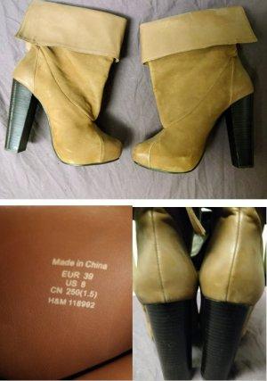 Camelfarbene Stiefeletten mit hohem Absatz von H&M