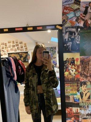 camouflage Bershka Jacke