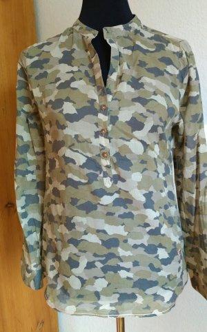 Camouflage Bluse von Emily