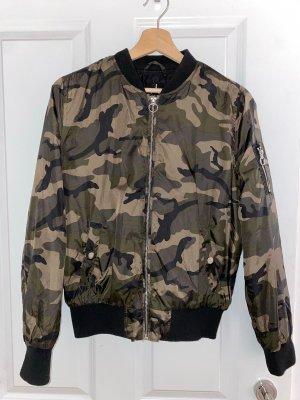 Camouflage Bomberjacke