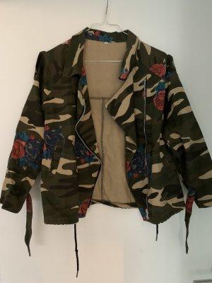 Camouflage Jacke mit Rosen
