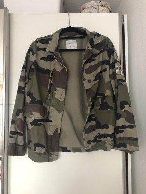 Pull & Bear Veste militaire multicolore