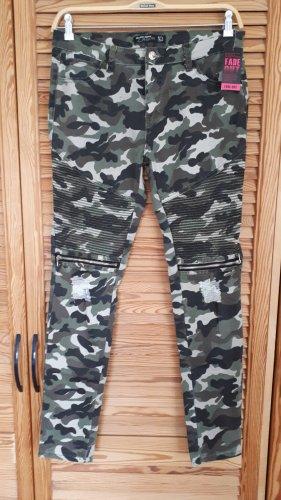 Camouflage Jeans Gr. L