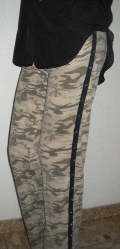 Camouflage Jogging Hose Killer Nieten Studs h m Tarn braun khaki 34 36 XS S