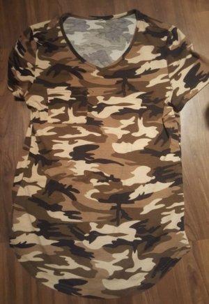 Camouflage Optik Tshirt von H&M
