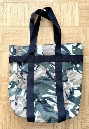 Camouflage Totebag von Weekday