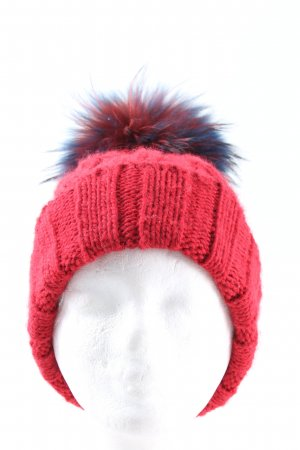 Canadian Bobble Hat red-blue cable stitch casual look