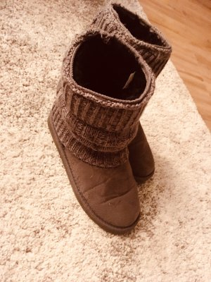 Canadians Boots in 37 in grau