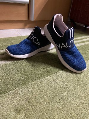 Canvey Emboireded Knit Schuhe