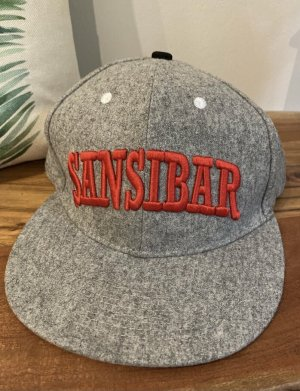 Cap von Sansibar in grau mit rotem Schriftzug