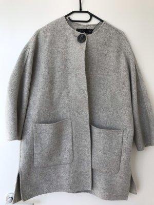 Cape aus Wolle