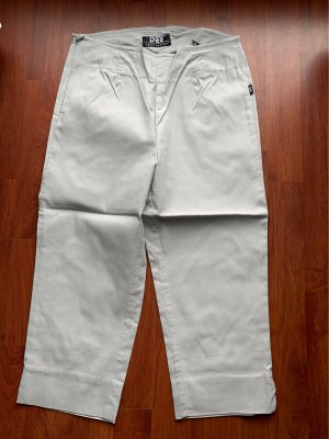 Pantalón capri gris claro
