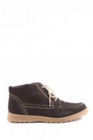 Caprice Desert Boots brown casual look