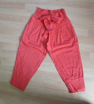 Pantalon capri rouge clair