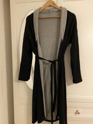 Manteau en tricot noir-gris clair