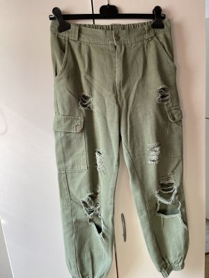 Cargo Jeans mit Riss und Taschen Detail