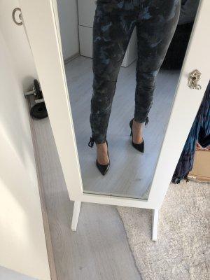 H&M L.O.G.G. Pantalón de camuflaje gris oscuro-azul pálido