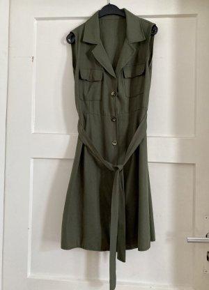 Vestido de camuflaje caqui