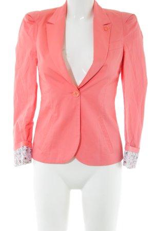 Carla Short Blazer pink casual look