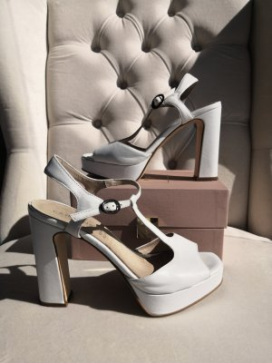 Carmens T-Strap Pumps white