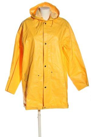 Carson Heavy Raincoat primrose casual look