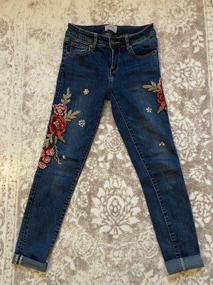 Cartoon Jeans Skinny 36 mit Blumen Stickerei