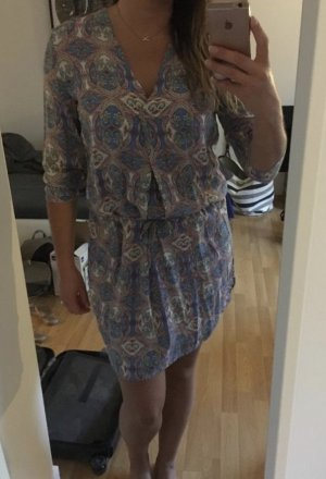 Cartoon Sommerliches Kleid