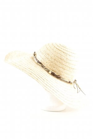 Straw Hat natural white casual look