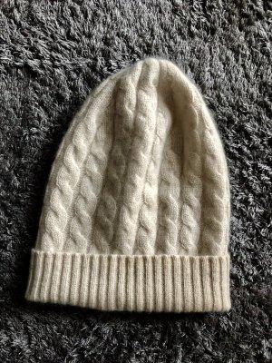 Chapeau en tricot crème-beige clair