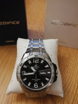 Casio Watch With Metal Strap silver-colored