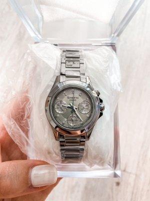Casio Horloge met metalen riempje veelkleurig