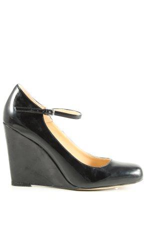 Cate Gray Strapped pumps black elegant