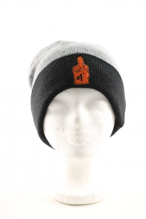 Cayler & Sons Beanie flecked casual look