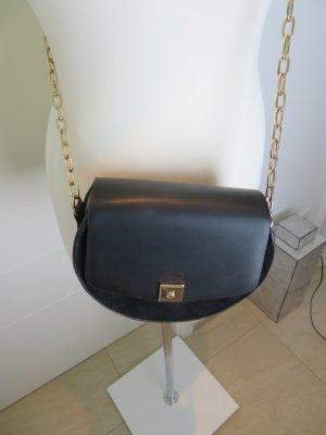 Chain Bag Moon Bag Cross Body Bag von Zara in schwarz mit Golddetails Kettentasche Kette