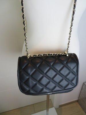 Chainbag  Chanel Style Umhaengetasche Chainbag Kamerabag gesteppt schwarz von Zara Chanel Style
