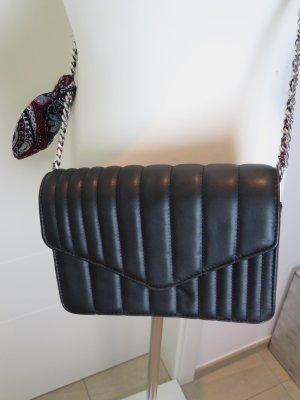 Chainbag im Chanel Style gesteppt schwarz Echtleder   Zara Crossbody Umhaengetasche Silber Chain