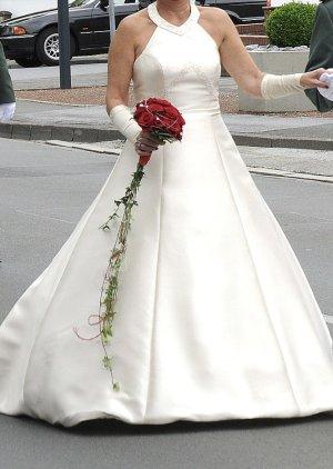 Devon Windsor Wedding Dress cream polyester