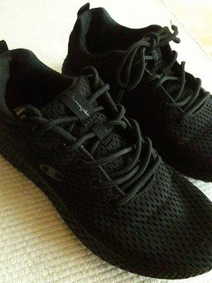 Champion. Schuhe. schwarz.