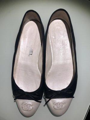 Chanel Ballerinas Gr. 39, schwarz/perlmutt
