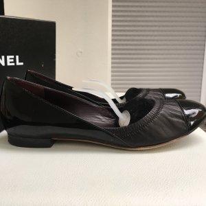 Chanel Ballerina di pelle verniciata nero