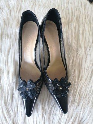 Chanel Tacones altos negro