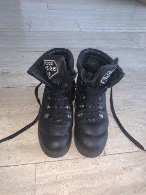Chanel Buty śniegowe czarny